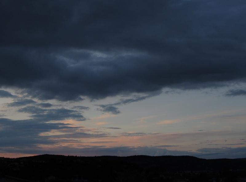 FIL ROUGE : Le ciel et les nuages  676032008