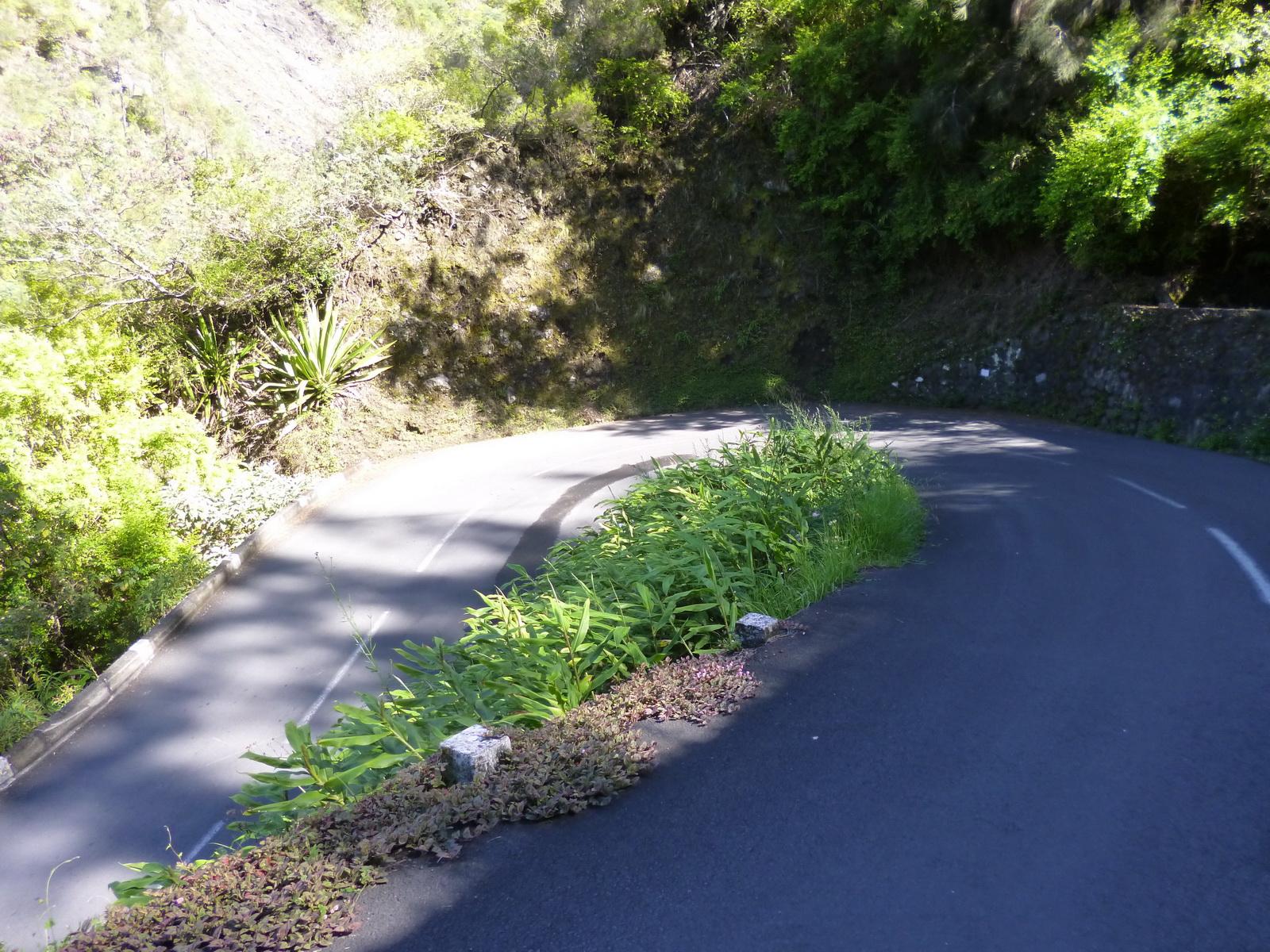 LA RÉUNION : la route de Cilaos, dite route aux 400 virages 679959P1010843