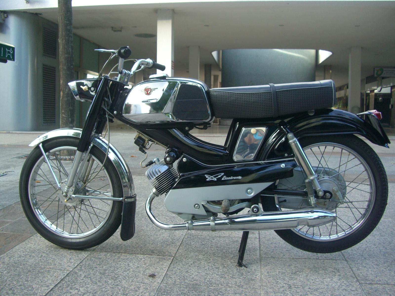Et hop un D75 état collection neuf d'origine de 1970 681394D75