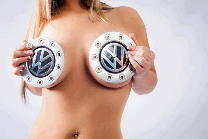 Volkswagen et ses donzelles ... - Page 38 6880171947451642624185773473643905012n