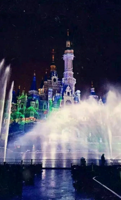 [Shanghai Disneyland] The Enchanted Storybook Castle (2016) - Page 10 689254w111