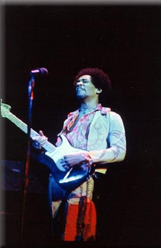 New York (Fillmore East) : 31 décembre 1969 [Premier concert]  690075hendrix3