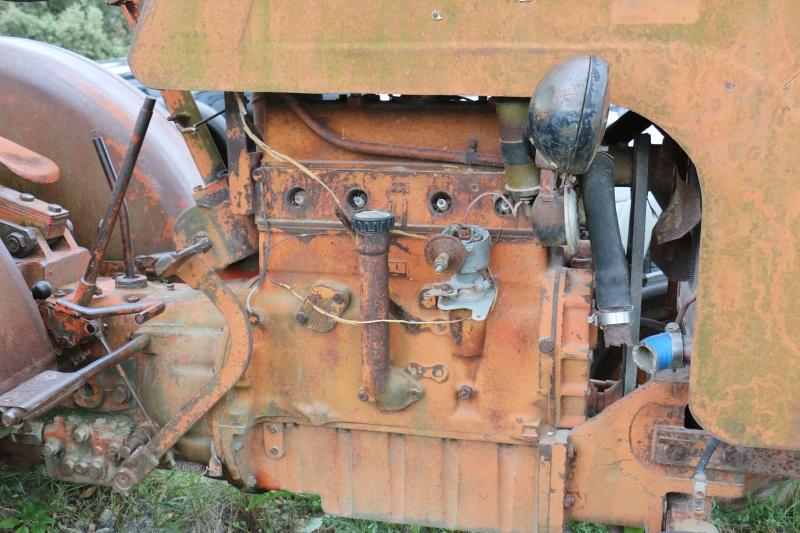 Tracteur moteur Citroën tout près de chez moi 691418IMG5910