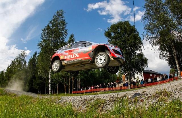 Mission accomplie pour Hyundai Motorsport qui se classe quatrième en Finlande  692667143129Neuville08FIN15cm182