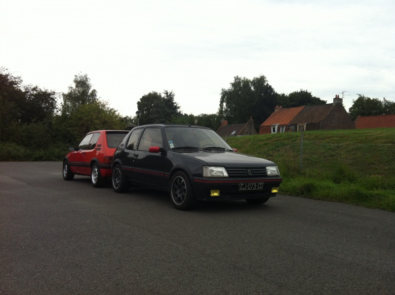 [philiopate] 205 GTI 1.6L Gris Graphite 1990 - Page 9 695415IMG0841