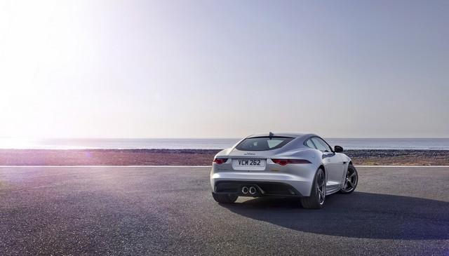 Lancement De La Nouvelle Jaguar F-TYPE Dotée De La Technologie GOPRO En Première Mondiale 698167jaguarftype18my400slocationexterior10011704