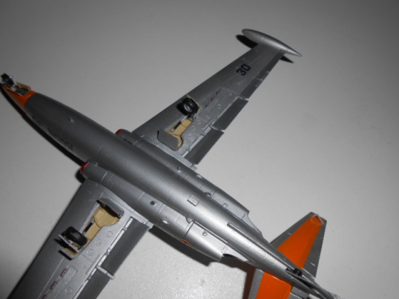 Fouga Magister 1/48 Kinetic lionel 45 - Page 2 698473Fougafini016