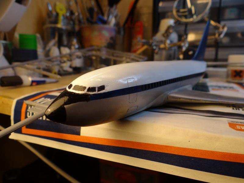 BOEING 737 1/125ème Réf 454 701764737PEINTSUITE2