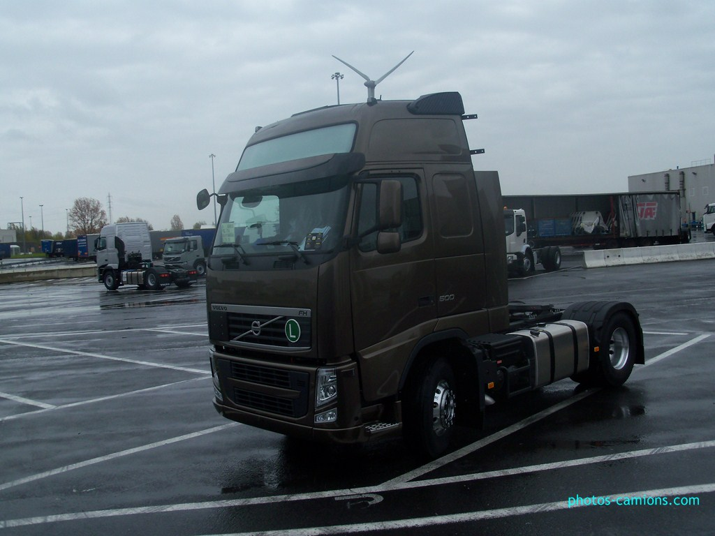 Volvo FH (euro 1,2,3,4 et 5) - Page 2 702207photoscamions27Avril201265