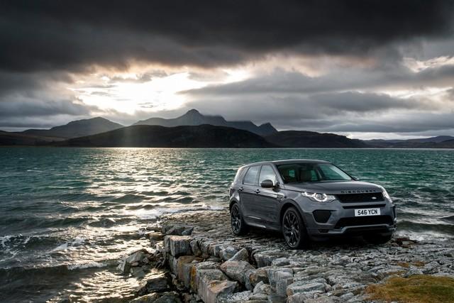 Les Land Rover Discovery Sport Et Range Rover Evoque Encore Plus Performants Grâce Aux Technologies Des Nouveaux Moteurs Ingenium 704887lrds18myingeniumpetrol24051705