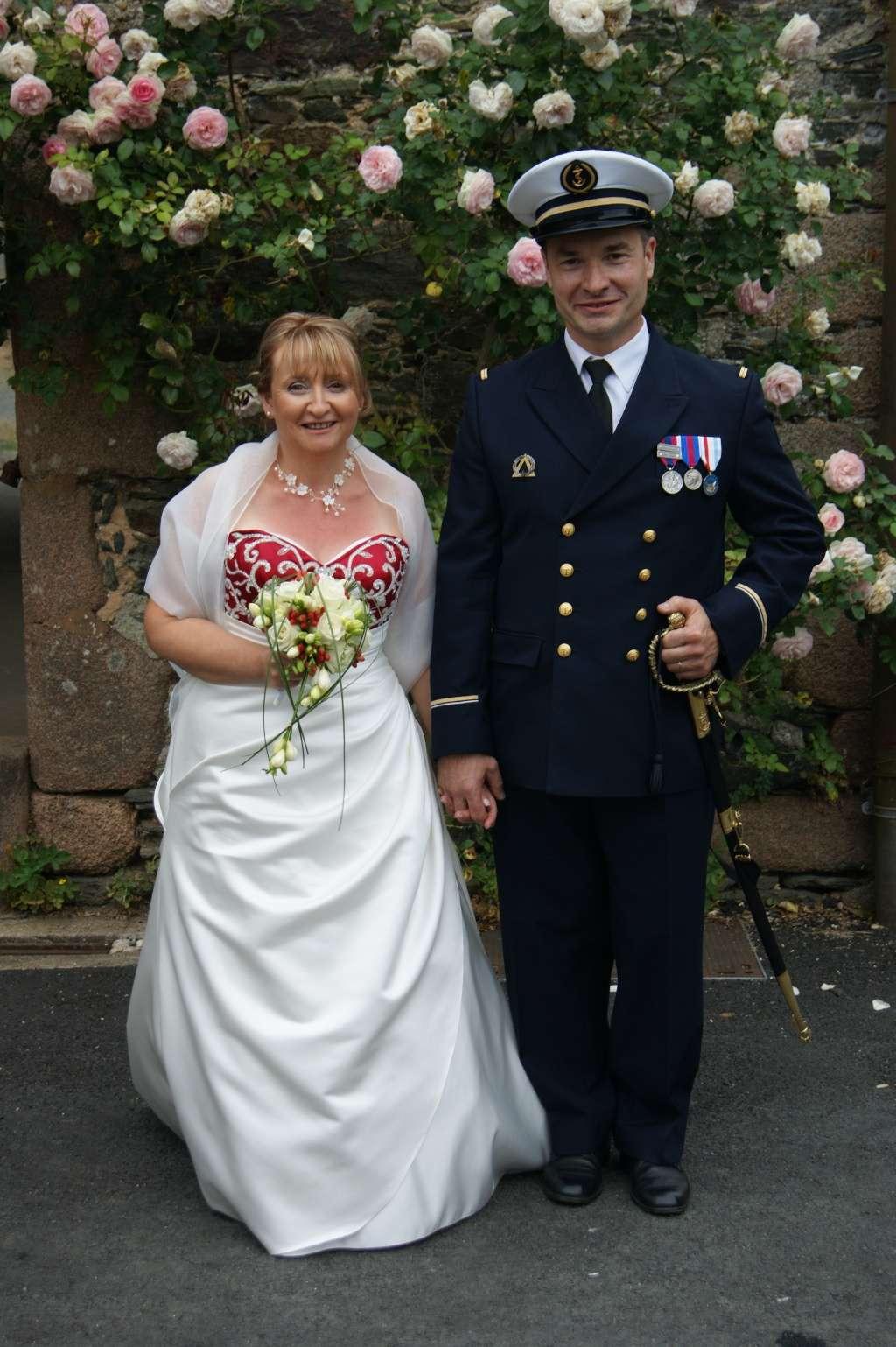[Les traditions dans la Marine] Mariage en tenue - Page 4 707007512