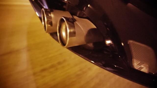 La Jaguar F-TYPE SVR rugit dans le Fameux tunnel de Park Avenue À New  707083JaguarFTYPESVRTunnel065