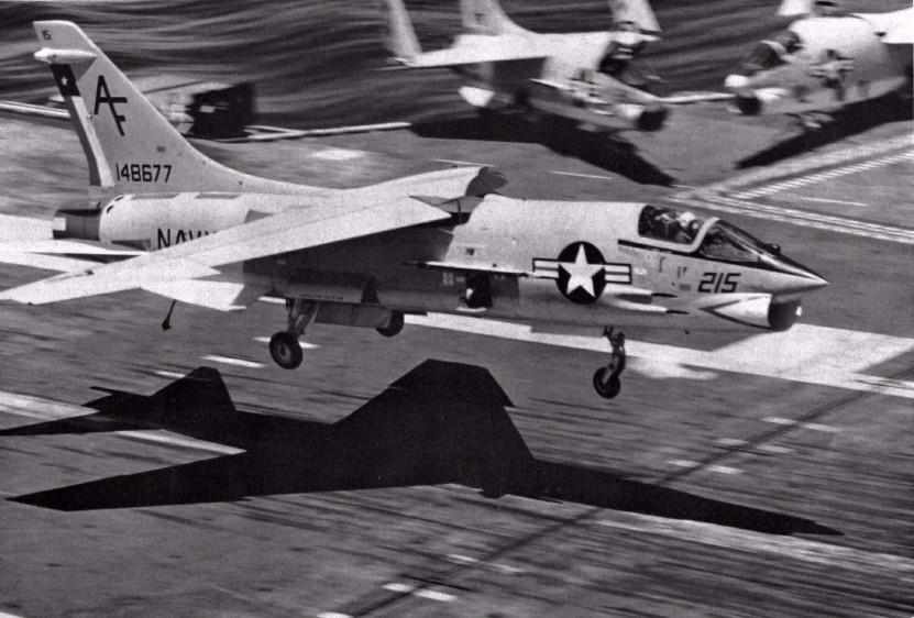 VOUGHT F-8 CRUSADER  711880VoughtF8HCrusaderVF202USSJohnFKennedyCVA671971