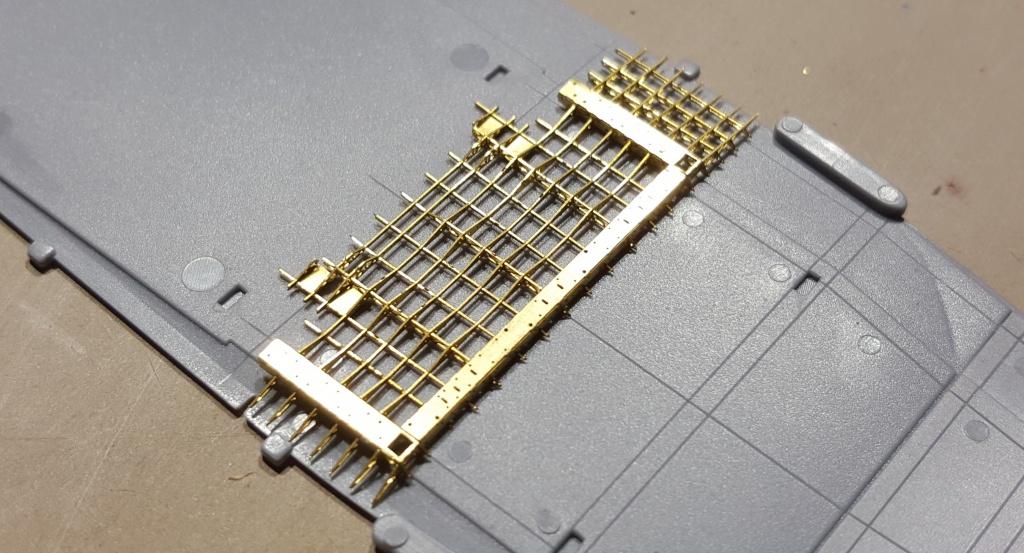 AKAGI 1/700 Hasegawa Kit PE et Pont en bois - Page 2 71484220160406111744