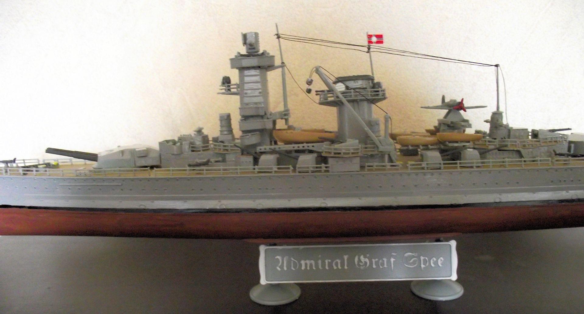 Admiral Graf Spee 1/350 Academy  715601MaquetteGrafSpee1x3504