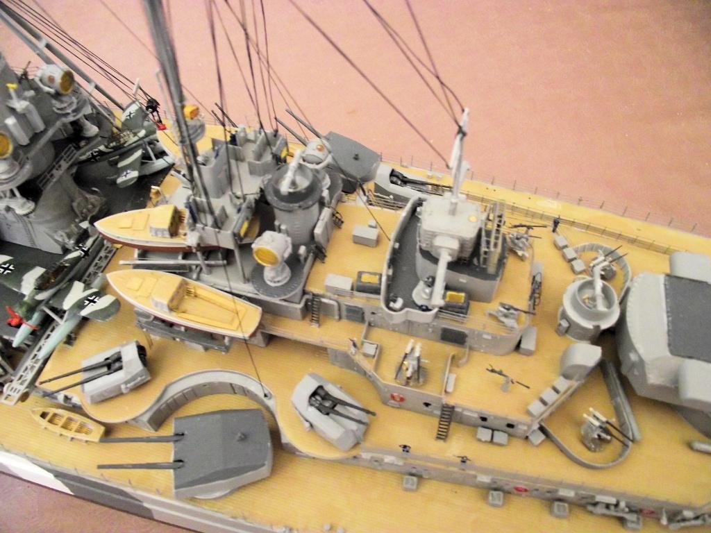 Bismarck Trumpeter 1x200 avec PE et figurines Eduard 718100Bismarck1x200159