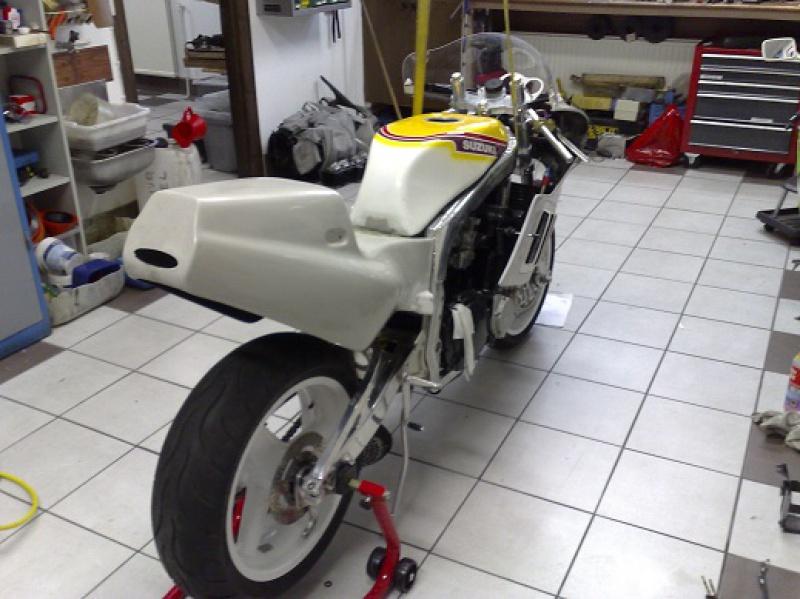 GSXR 750 Harris/TT F1 1986 72014620101017299liten