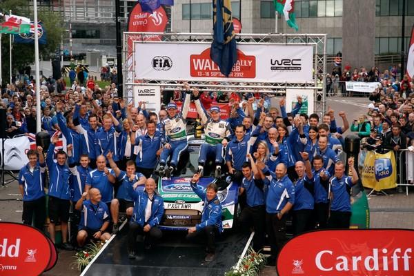 Rallye de Grande Bretagne 2012 (jour -3) victoire Jari-Matti Latva 7204102012rallyedegrandebretagneLatvalaPodium4