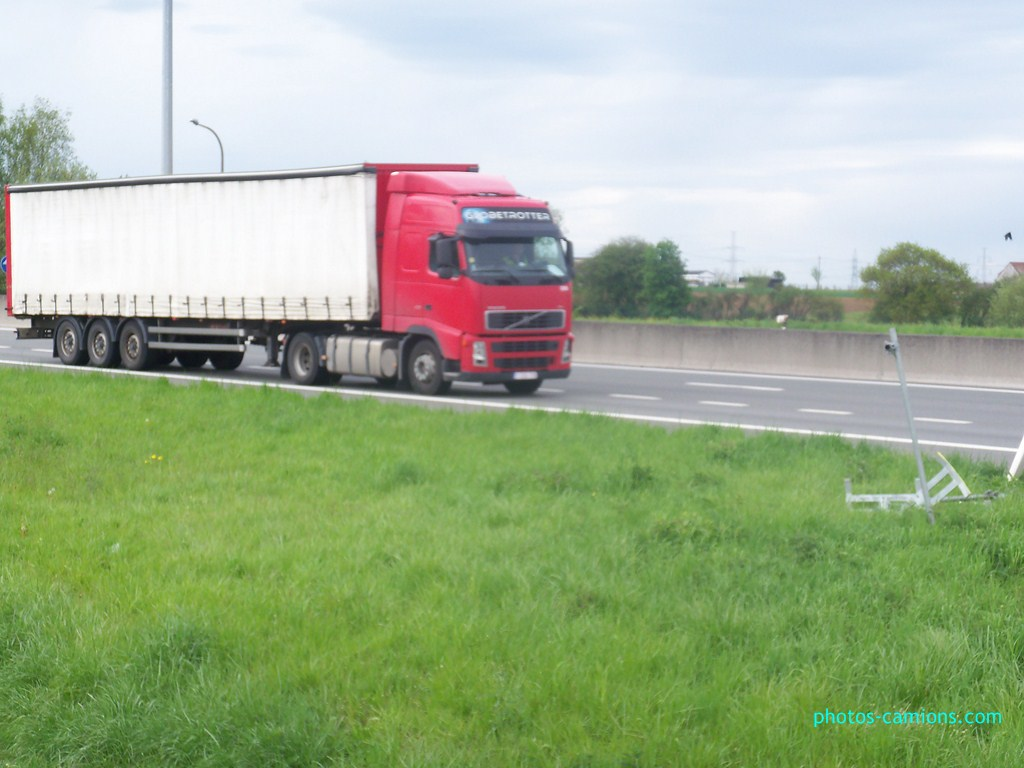 Volvo FH (euro 1,2,3,4 et 5) - Page 2 720980photoscamions30Avril201246