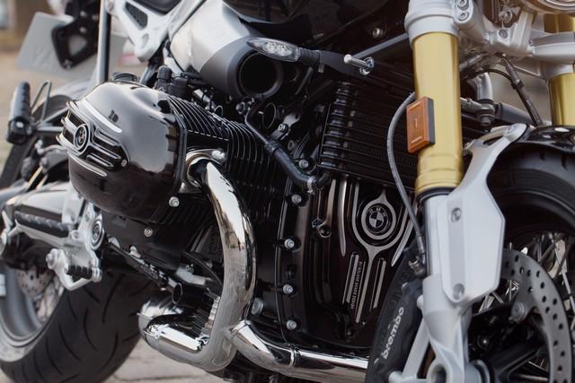 BMW Motorrad : accessoires « Machined » pour les BMW R NineT. 721716P90245885highResbmwrninetxroland