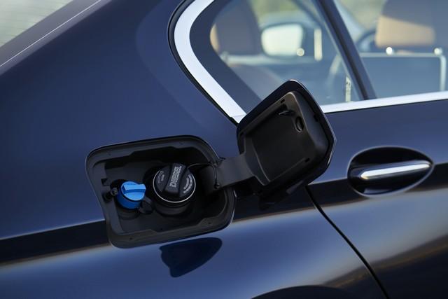 La nouvelle BMW Série 5 Berline. Plus légère, plus dynamique, plus sobre et entièrement interconnectée 723654P90237287highResthenewbmw5series