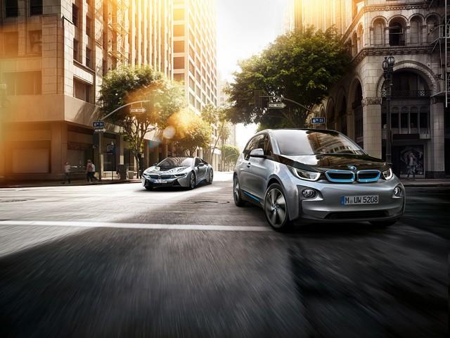 LonLancement de ParkNow gTerm en France : BMW i s'associe à de grandes sociétés de parkings publics pour proposer des places branchées à ses clients 725258P90138437highResbmwi3tvcspotdeci