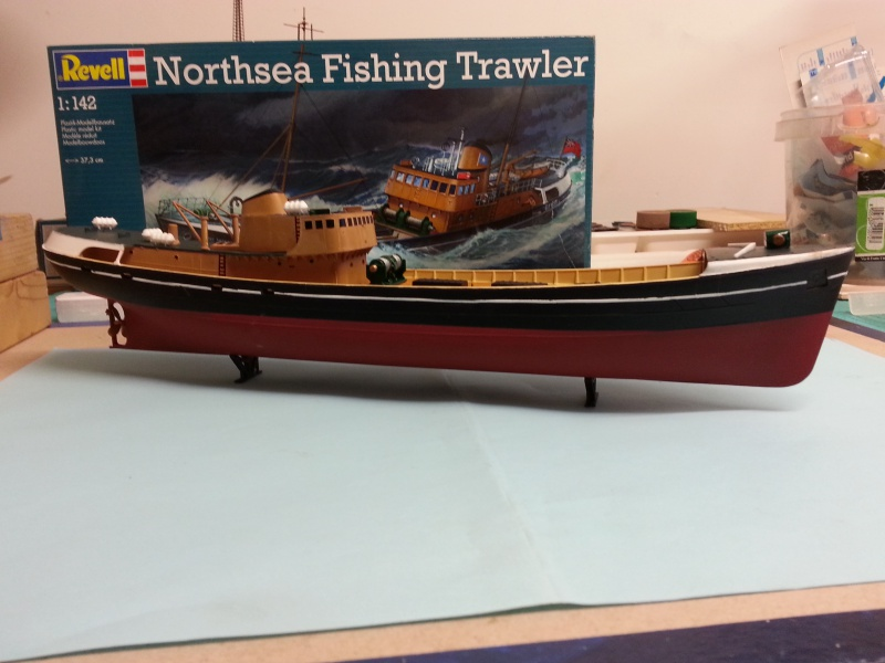 NorthSea Fishing Trawller de Revell au 1/142° 725669CH13