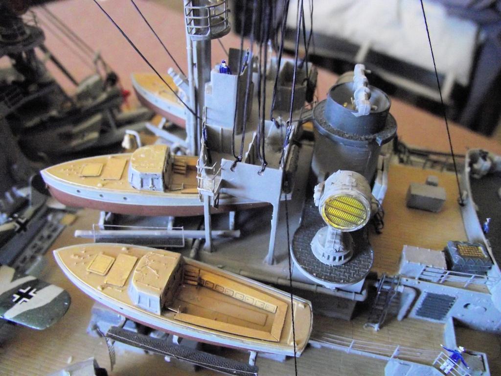 Bismarck Trumpeter 1x200 avec PE et figurines Eduard 727167BismarckTrumpeter1x20029