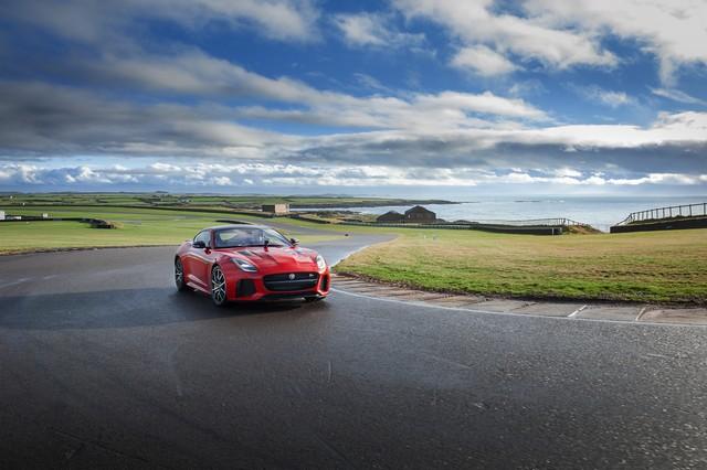 Lancement De La Nouvelle Jaguar F-TYPE Dotée De La Technologie GOPRO En Première Mondiale 728472jaguarftype18myrerunapp10011703