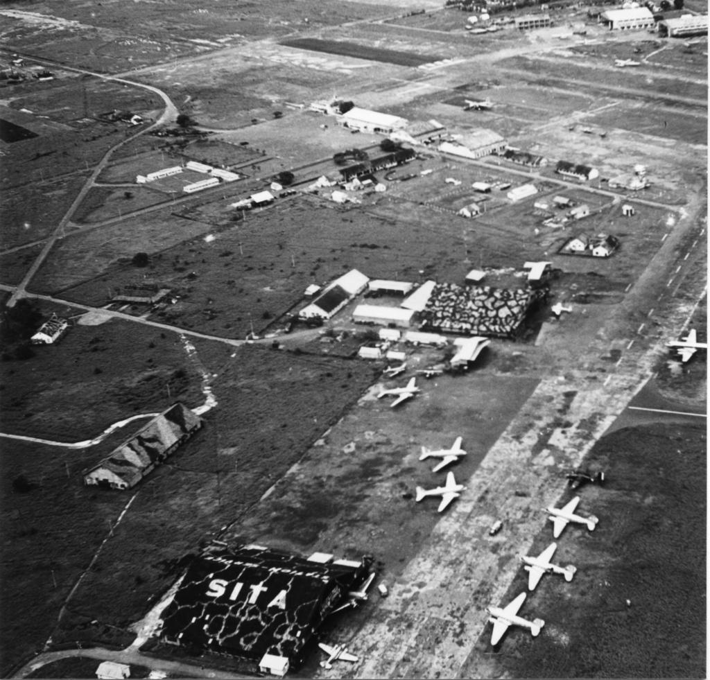 [ Aéronavale divers ] [ 1945-1950 L'histoire des grands oiseaux blancs à tête de loup noir en Indochine 7305861947TSNZoneCivileHangarSITA