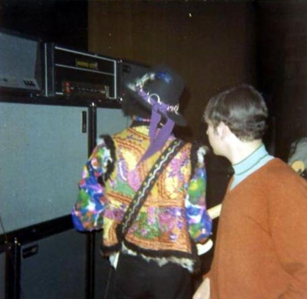 Columbus (Vets Memorial Auditorium) : 3 mars 1968  73365919680303