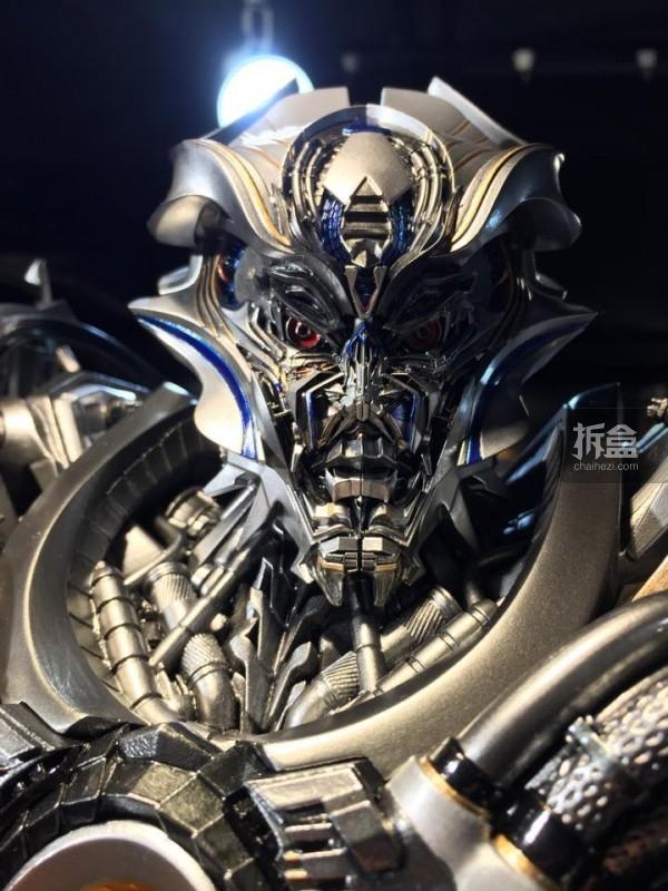 Statues des Films Transformers (articulé, non transformable) ― Par Prime1Studio, M3 Studio, Concept Zone, Super Fans Group, Soap Studio, Soldier Story Toys, etc - Page 3 7349671429112129P1STF4galvatronpreview011600x800