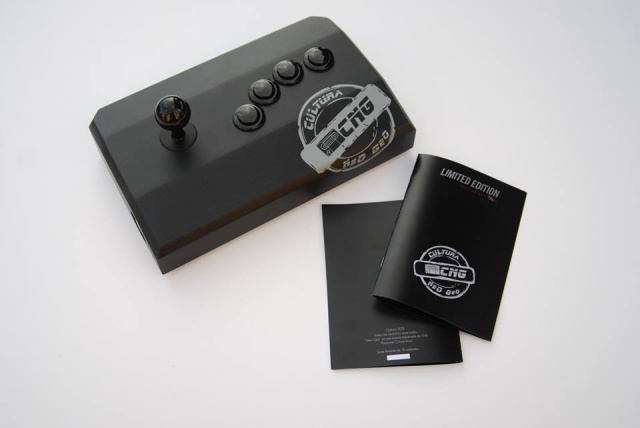 Stick Neo-Geo Oakem studio - Edition Limitée à 10 exemplaires  735052stickN4