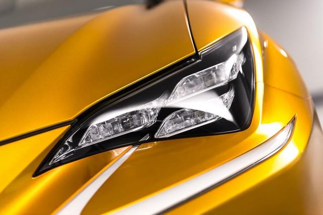 Le Concept Lexus LF-C2 Brille Sous Les Projecteurs Du Salon De Los Angeles 735538lexuslfc2web2048px13