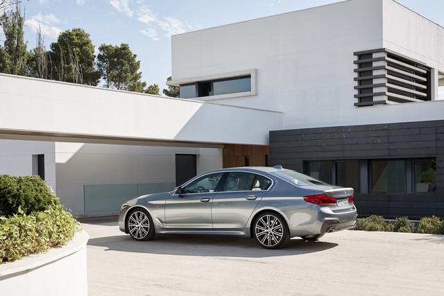 La nouvelle BMW Série 5 Berline. Plus légère, plus dynamique, plus sobre et entièrement interconnectée 738505P90237227highResthenewbmw5series