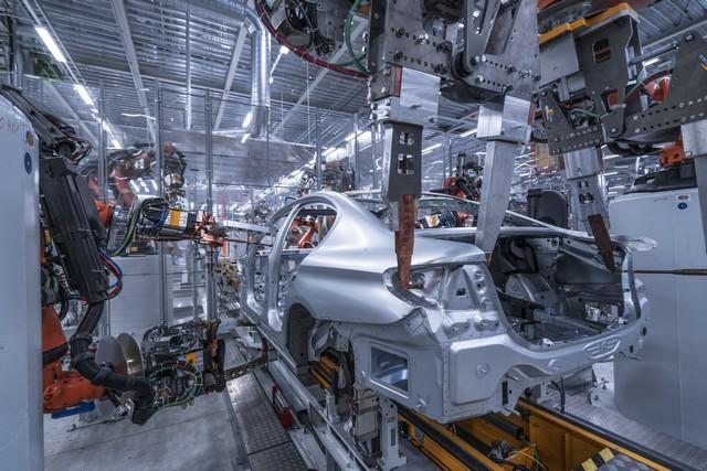 La nouvelle BMW Série 5 Berline. Plus légère, plus dynamique, plus sobre et entièrement interconnectée 738693P90237973highResbmwgroupplantding