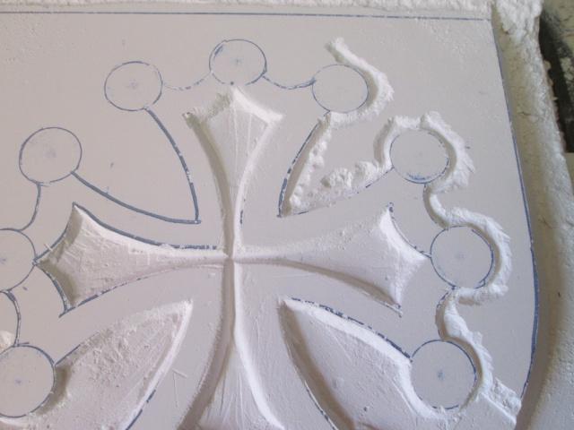 Sculpture sur carreaux de platre ( Croix Occitane ) 7389571169