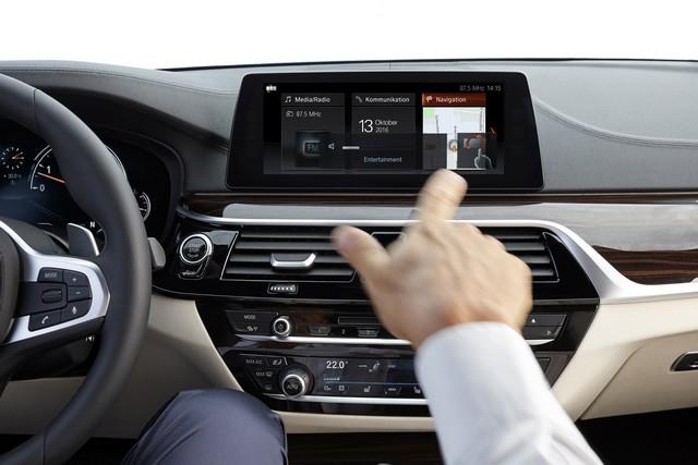 La nouvelle BMW Série 5 Berline. Plus légère, plus dynamique, plus sobre et entièrement interconnectée 739516P90237249highResthenewbmw5series