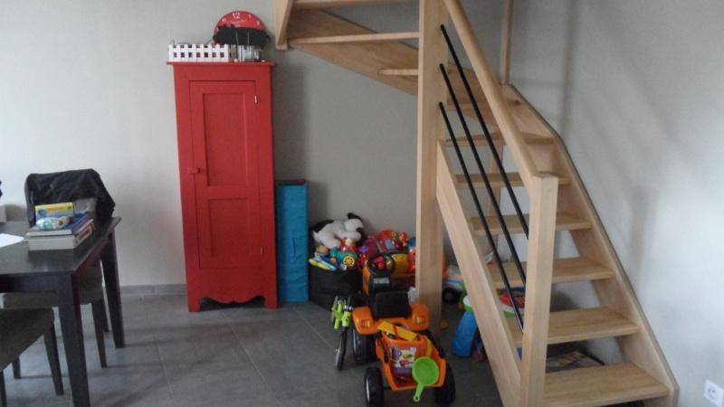 Une bibliothèque pour ranger les jouets 740174SAM1434