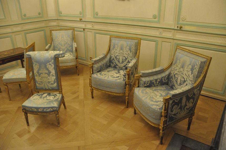 Exposition Mme Elisabeth à Montreuil - Page 3 74058220130521202003262020DSC00372