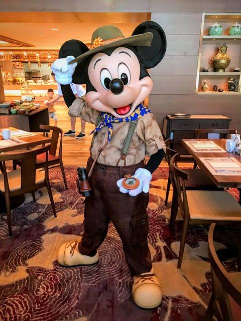 Nouveaux hôtels à Hong Kong Disneyland Resort (2017) - Page 4 747816w464MrB