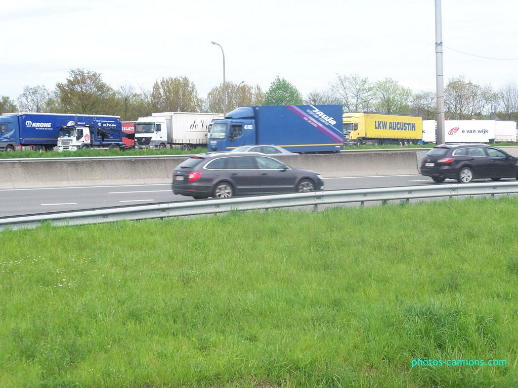 Jawa (Roeselare) 748348photoscamions30Avril201252