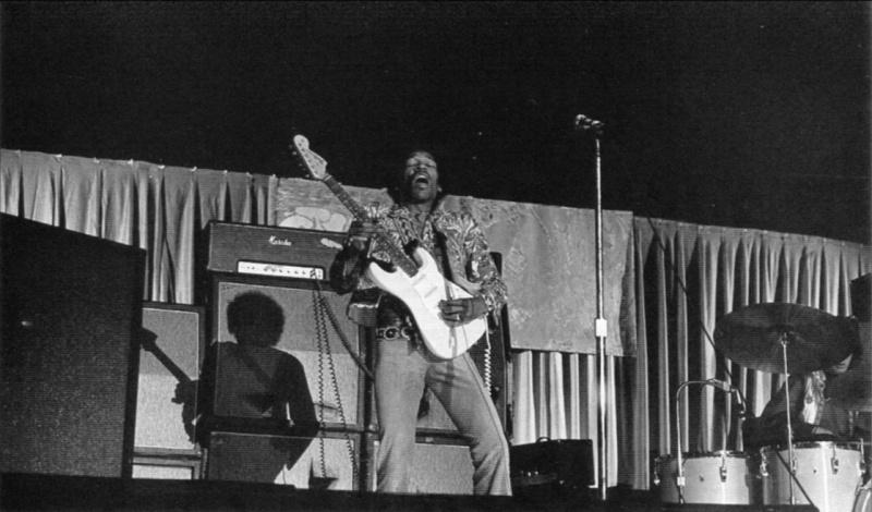 Phoenix (Memorial Coliseum) : 4 septembre 1968  75530519680904Phoenix01