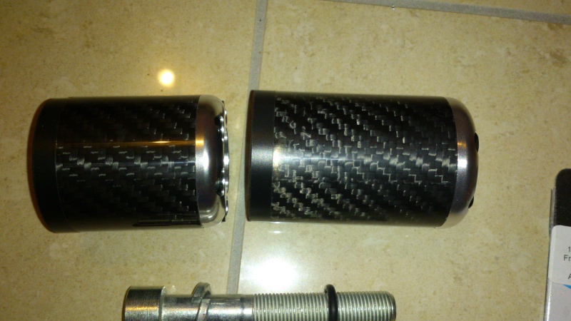 Tampons de protection carbone / argent ou or  758680DSC0573