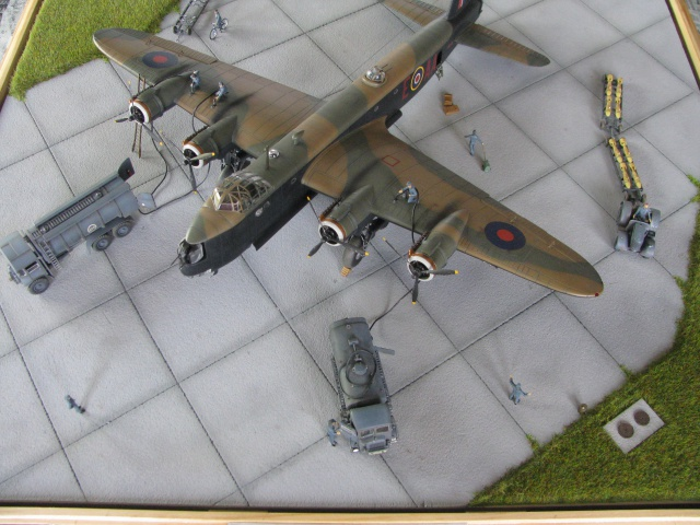 Short Stirling BF-513 75 Sqn, 1/72 Italeri: Commémoration 08 mai 2015....Terminé! - Page 9 760552IMG5295