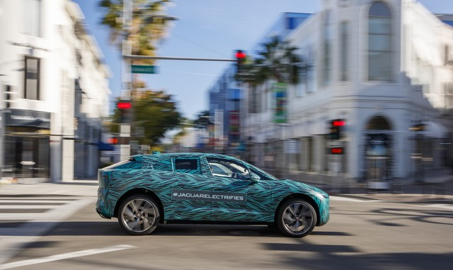 Le Jaguar I-PACE en road trip électrique à Los Angeles 761361jipaceroadtrip061217017