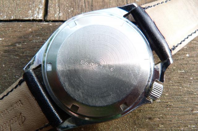 Breitling - [Ici TOPIC des demandes d'IDENTIFICATION et RENSEIGNEMENTS de vos montres] - Page 20 763641P1050619