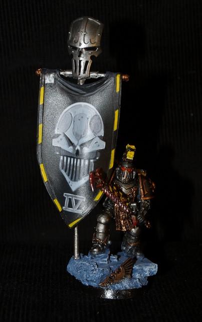 Iron warriors : Stormeagle terminé  !! 766098EtendardIronWarrior1