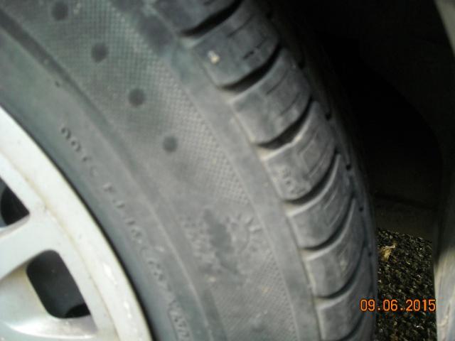 pneus usés sur les cotés 766326DSCN7923