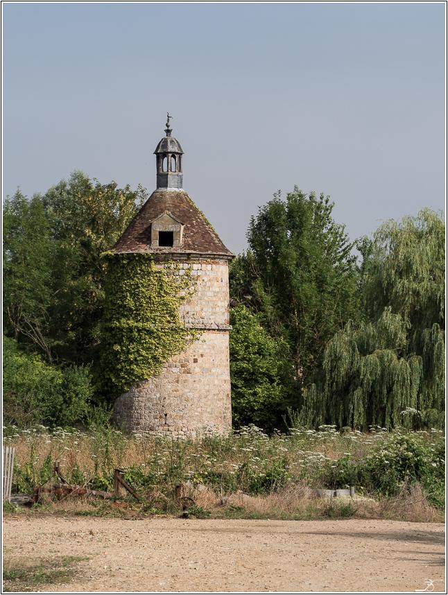 Promenade à Evry (Yonne) 767851LR6P7240059